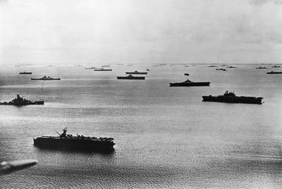 US_fleet_at_Majuro_Atoll_1944